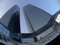 Die Zwillingstürme der Deutschen Bank in Frankfurt am Main werden nach drei Jahren wieder bezogen.