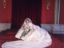 Hochzeit Royals Brautkleid Hochzeitskleid Königshaus Braut