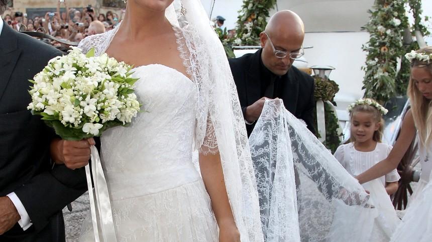 Royale Hochzeitsroben - Tatiana Blatnik heiratete Prinz Nikolaos ...