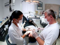Patienten auf den Nerv fühlen: Zahnärzte müssen gut beraten können