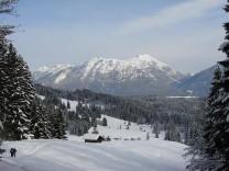 Winterwandern Rodeln