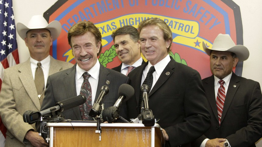 Chuck Norris, Rick Perry