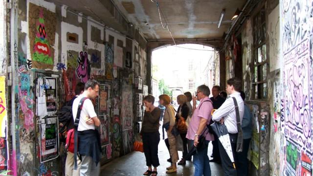 Meisterwerke im Hinterhof: Auf Galerientour durch Berlin