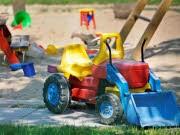 Schlechte Personalsituation in Krippen Erzieherinnen fehlen Spielplatz, ddp