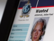 FRANCE-DIPLOMACY-WIKILEAKS-INTERPOL-ASSANGE