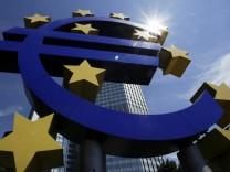 EZB-Chefvolkswirt gegen gemeinsame Anleihe der Euro-Laender