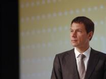 Deutsche Telekom head Obermann attends IT summit in Dresden