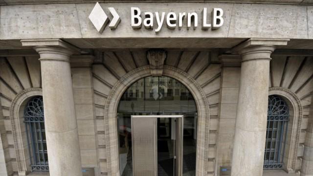 Zeitung: Landesbank stoppt Zahlungen an Ex-Vorstaende