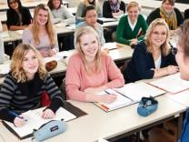 Männerfreie Zone: Was Frauenstudiengänge bringen sollen