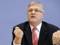 Parlamentarier legen Entwurf fuer 'eingeschraenkte Erlaubnis' von PID vor