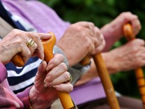 Deutsche Rentner werden ärmer - Rekordabschläge