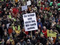 Jahresrueckblick Dezember 2010: Protest gegen 'Stuttgart 21'