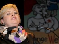 Lötzsch auf Rosa Luxemburg Konferenz