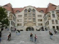 Amoklauf am Gutenberg-Gymnasium jaehrt sich zum achten Mal