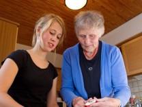 Oma sucht Studenten: Zimmer für 100 Euro und ein Mittagessen