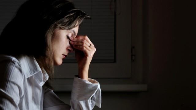 Sozialer Jetlag: Müdigkeit durch ungünstigen Arbeitsrhythmus