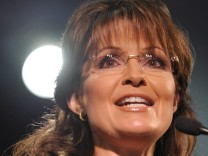 PALIN SAYS SHE COULD BEAT OBAMA IN 2012