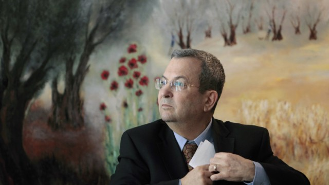 Israel's Defence Minister Barak attends a news conference at the Knesset, the Israeli parliament, in Jerusalem