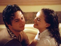 ZACH BRAFF  AND NATALIE PORTMAN