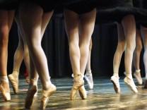 Jugendliche Ballett-Tänzerinnen - Ballettfilm-Boom