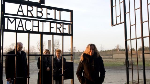Gedenktafel erinnert an spanische KZ-Haeftlinge in Sachsenhausen