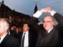 Hans Modrow und Helmut Kohl in Dresden, 1989