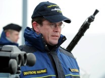 """Guttenberg verteidigt Vorgehen in ´Gorch Fock""""-Affäre"""