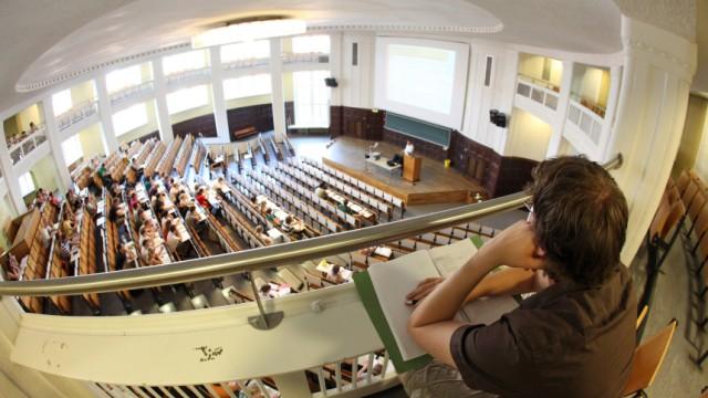 Uni oder FH: Was die Hochschultypen heute noch unterscheidet
