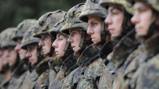 Wehrbeauftragter ruegt Fuehrungsmaengel in der Bundeswehr