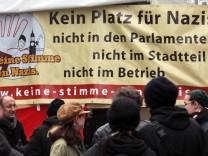 Demonstration gegen NPD-Kundgebung