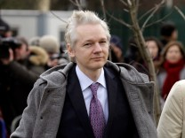 Julian Assange extradition trial