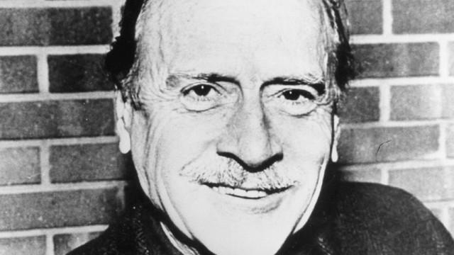 Marshall McLuhan, 1977