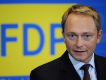 Pressekonferenz mit FDP-Generalsekretaer Lindner