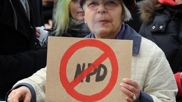Proteste gegen Wahlkampfauftakt der NPD