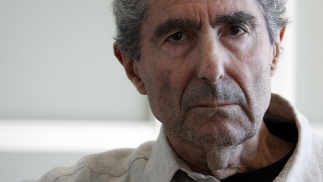 Author Philip Roth poses in New York
