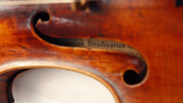 FRANCE-SCIENCE-MUSIC-STRADIVARIUS
