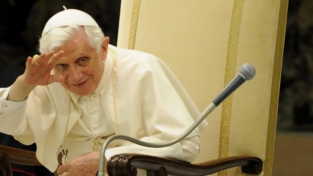 Traditionelle Mittwochsaudienz bei Pabst Benedict