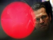 Guttenberg besucht Valentinstreffen