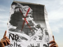 Egyptians protest in solidarity with Libyan people