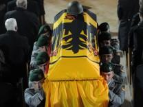 Zentrale Trauerfeier fuer in Afghanistan getoetete Soldaten