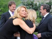 Altkanzler Schröder feiert 65. Geburtstag nach