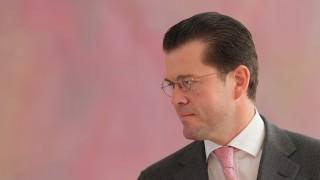Guttenberg, Minister und Doktor a.d.