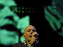 R.E.M. veroeffentlichen im Fruehjahr 15. Studioalbum