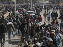 Kinderdienst: Zehntausende Menschen wegen der Kaempfe in Libyen auf der Flucht