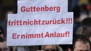 Solidaritaetsdemonstration fuer Karl-Theodor zu Guttenberg