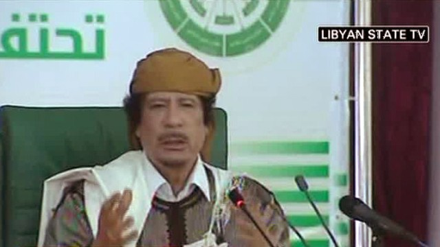 Muammar al-Gaddafi hält Rede