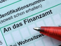 Schäuble: Begrenzte Steuersenkungen möglich