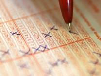 27 Menschen in NRW wurden 2009 zu Lotto-Millionaeren
