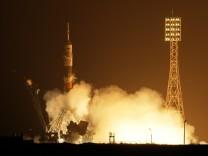 Drei Raumfahrer mit Sojus zur ISS gestartet