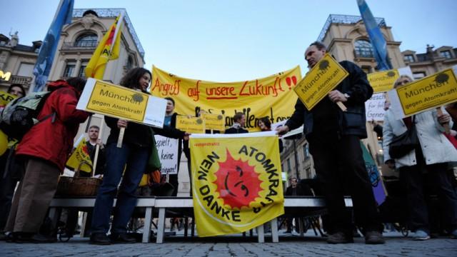 Mahnwache gegen Atomkraft in Muenchen